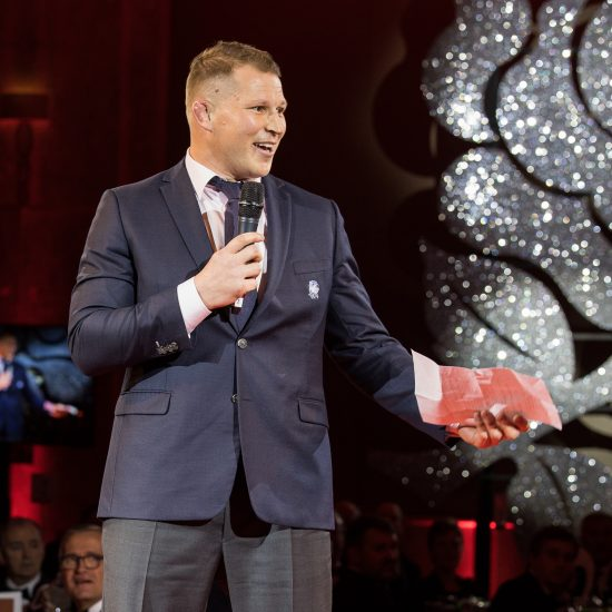 ENGLAND RUGBY SPORT RELIEF BALL 2018_008
